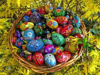 """L'association """"LES ENFANTS de TCHERNOBYL"""" recherche des partenaires pour ses ventes d'œufs en bois"""