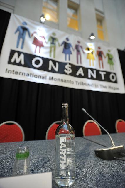 [Communiqué de presse] Quelle agriculture financer : biocidaire ou biologique ?