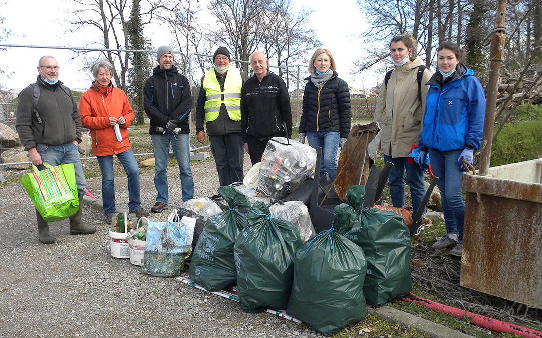 Collecte de déchets sauvages autour du Lac du Ballon
